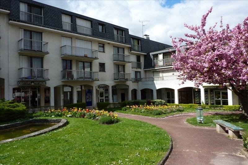 Rental apartment Bures sur yvette 706€ CC - Picture 1