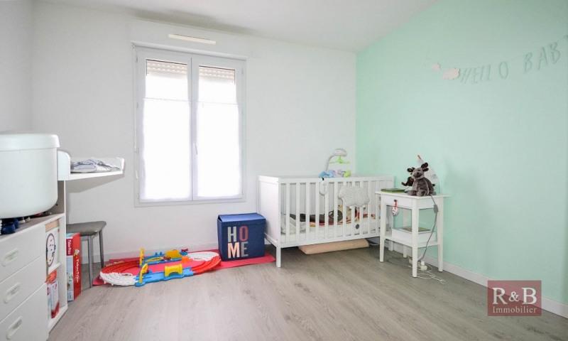 Sale apartment Les clayes sous bois 308000€ - Picture 6