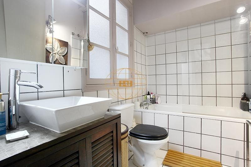Sale apartment Paris 3ème 830000€ - Picture 8