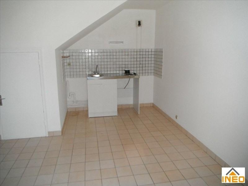 Location appartement Melesse 315€ CC - Photo 1