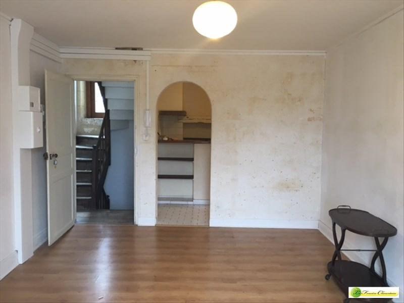 Location appartement La couronne 298€ CC - Photo 1