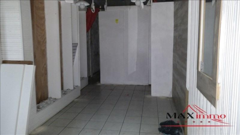 Location local commercial St joseph 830€ HT/HC - Photo 2