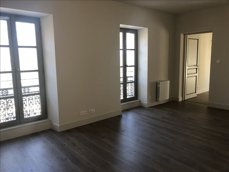 Location appartement Nimes 521€ CC - Photo 1