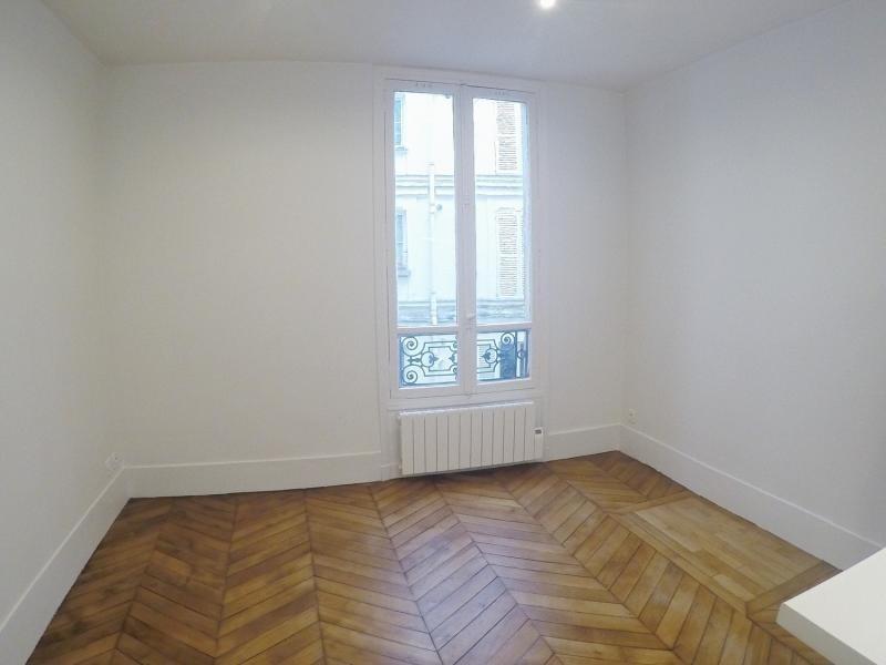 Sale apartment Paris 10ème 399000€ - Picture 2