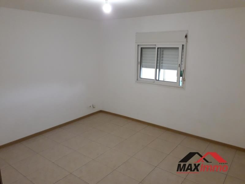 Location maison / villa St joseph 850€ CC - Photo 5