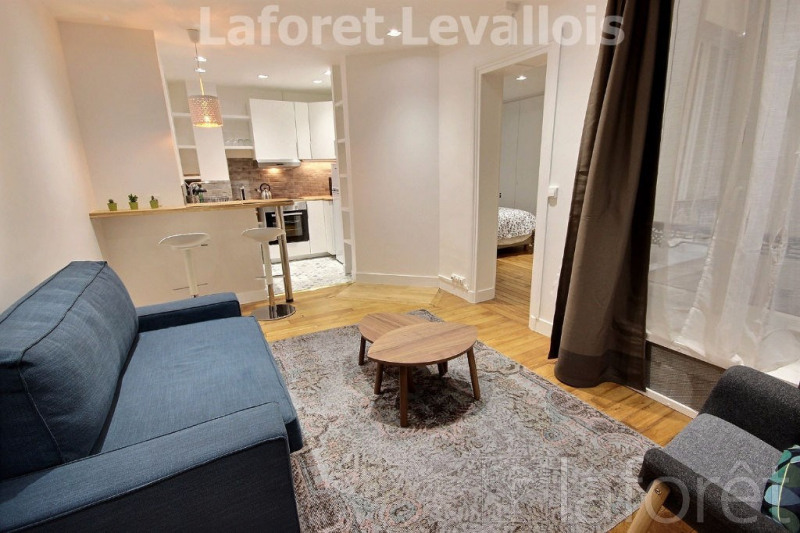 Location appartement Levallois perret 1 122€ CC - Photo 1