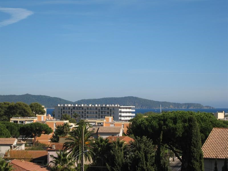 Location vacances appartement Cavalaire 350€ - Photo 1