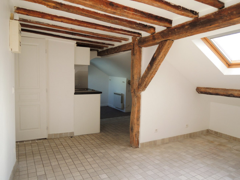 Location appartement Paris 9ème 1 136€ CC - Photo 1