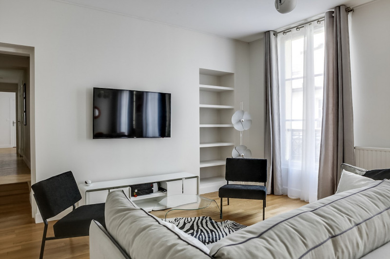 Location appartement Paris 11ème 2 995€ CC - Photo 3