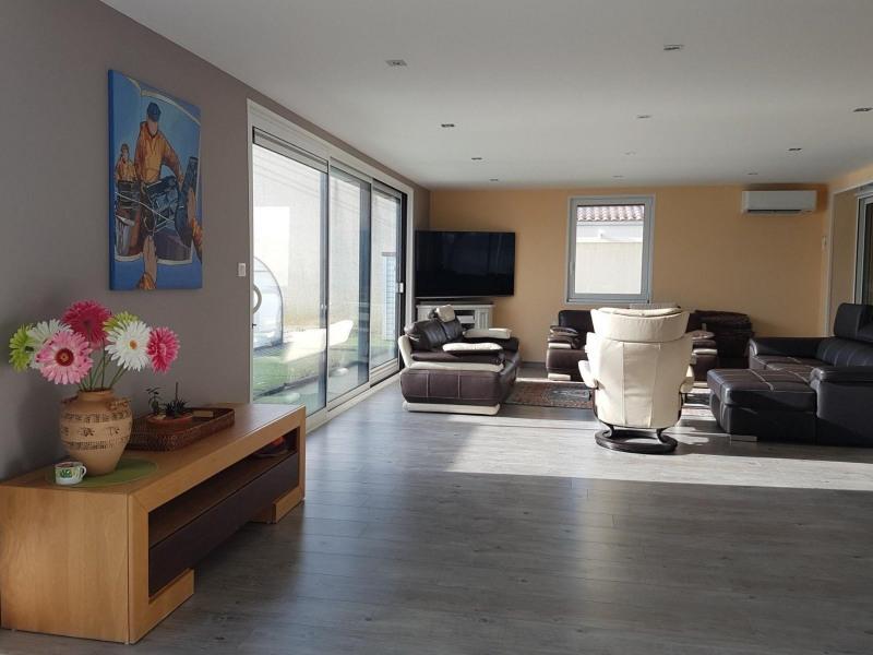 Sale house / villa Grosbreuil 335000€ - Picture 4