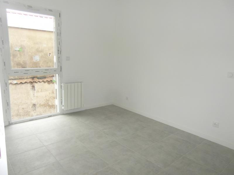 Location appartement Bron 805€ CC - Photo 2