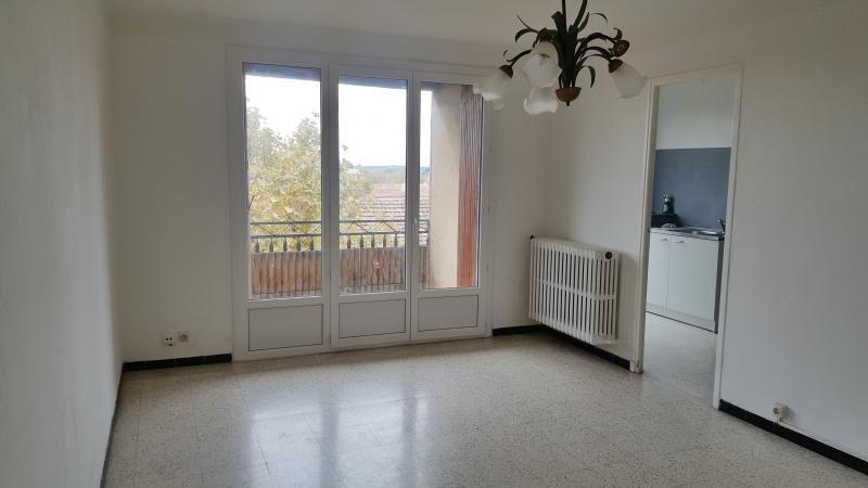 Location appartement Salon de provence 740€ CC - Photo 2