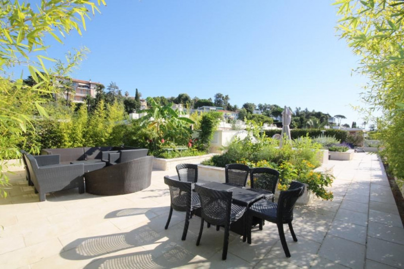 Deluxe sale apartment Cannes 1 990 000€ - Picture 3