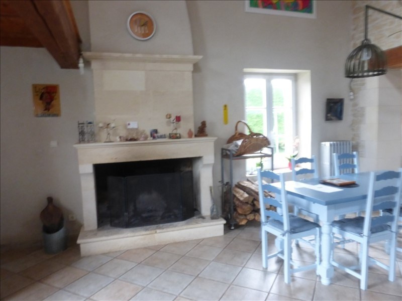 Deluxe sale house / villa Genouille 305 000€ - Picture 2