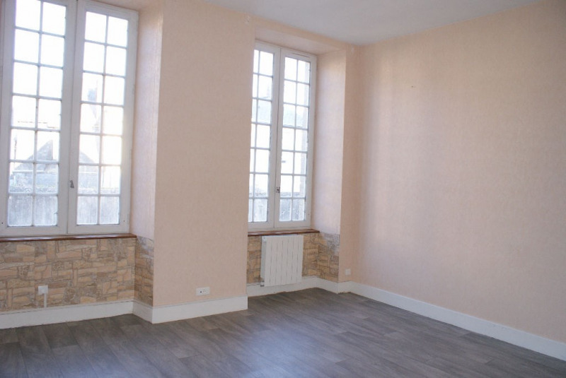 Sale apartment Mayenne 74 600€ - Picture 1