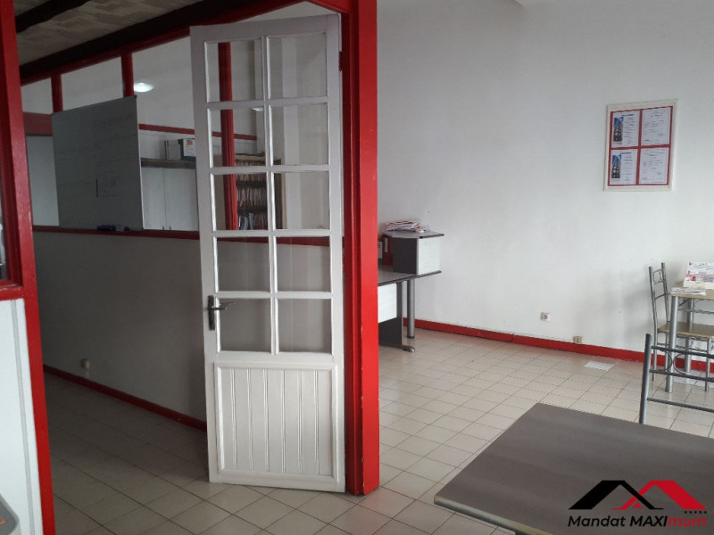Location local commercial Saint pierre 1400€ HC - Photo 2