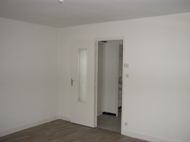 Rental apartment Nevers 230€ CC - Picture 2