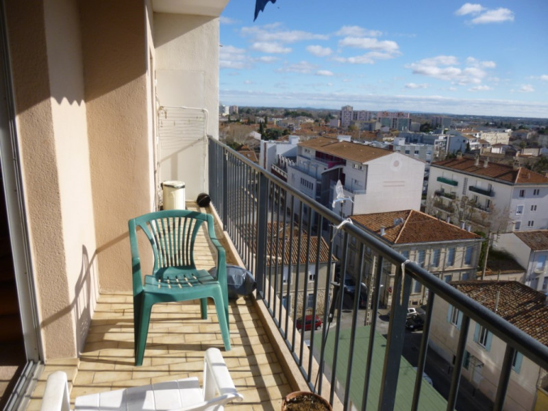 Sale apartment Nimes 111 000€ - Picture 2