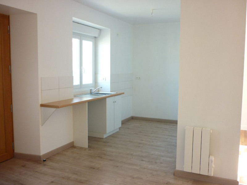 Location maison / villa Janze 655€ CC - Photo 2