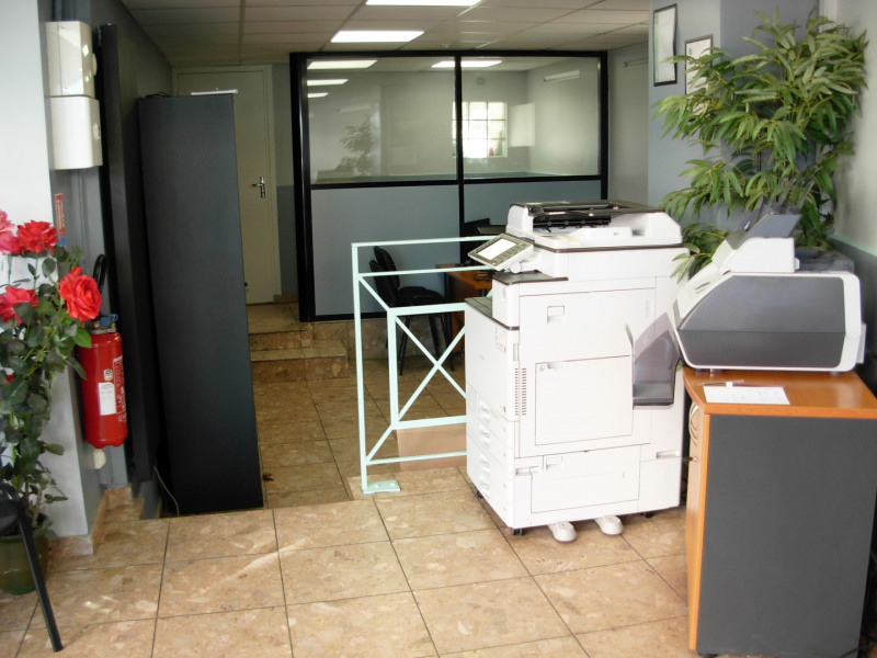 Sale shop Saint-michel-sur-orge 98 000€ - Picture 2