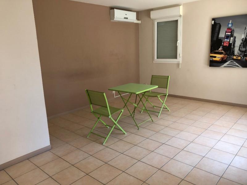 Sale apartment Marseille 135000€ - Picture 2