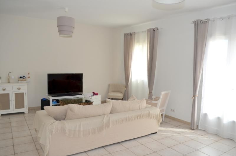 Sale house / villa Entraigues sur la sorgue 263 900€ - Picture 2