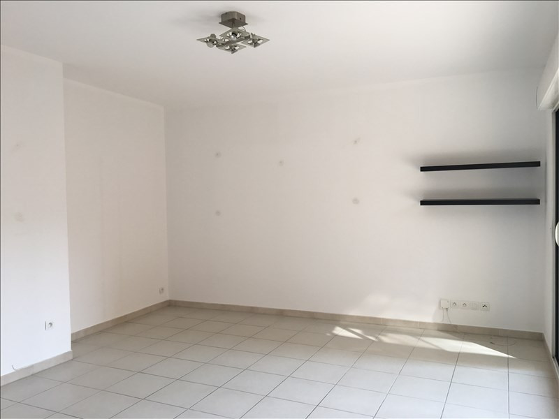 Location appartement Aix en provence 1 004€ CC - Photo 2