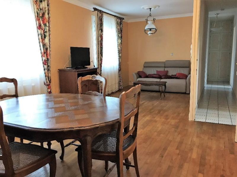Sale house / villa Laval 140400€ - Picture 3