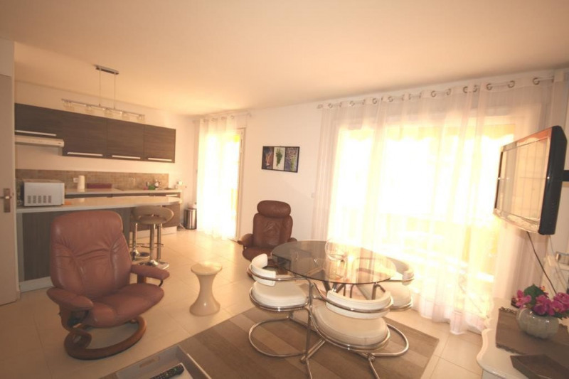 Location vacances appartement Juan-les-pins  - Photo 3