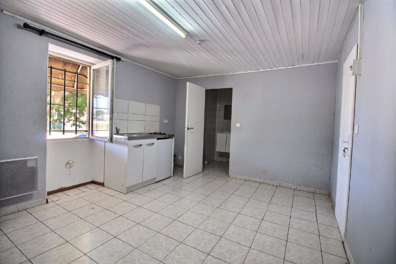Location appartement Rodilhan 385€ CC - Photo 1