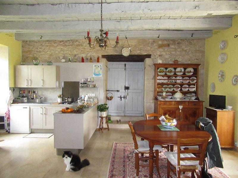 Sale house / villa Bassillac et auberoche 318000€ - Picture 4