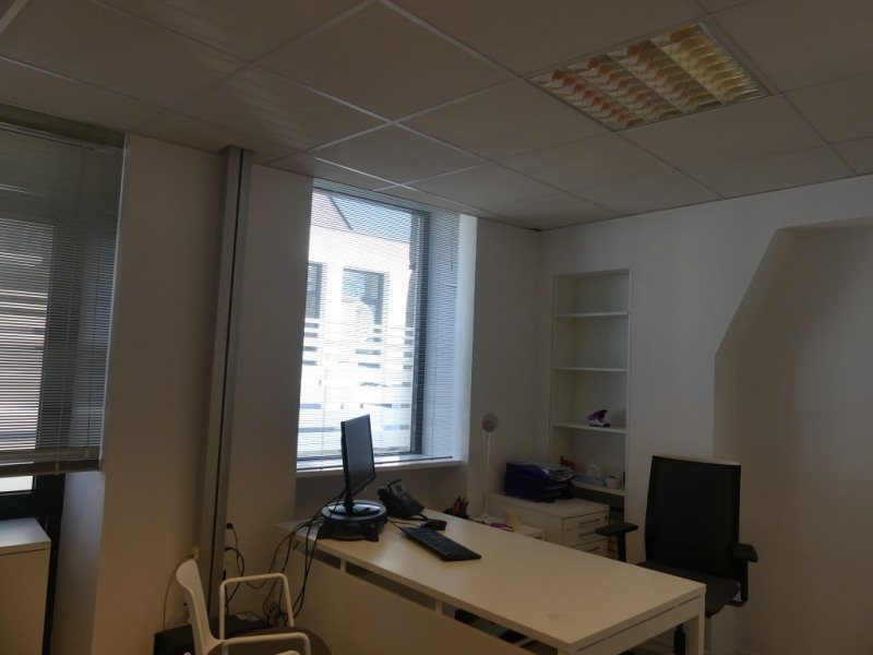 Location local commercial Pont l abbe 756€ HC - Photo 4