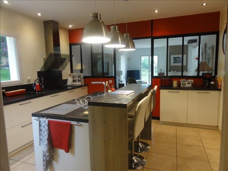 Sale house / villa Montfort l amaury 568000€ - Picture 4