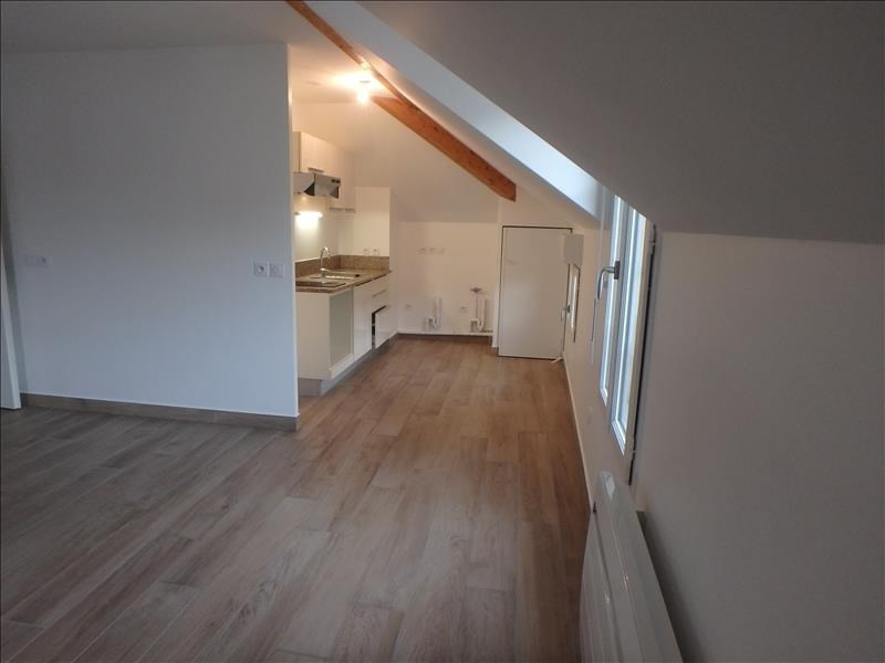 Location appartement Buc 1 020€ CC - Photo 3