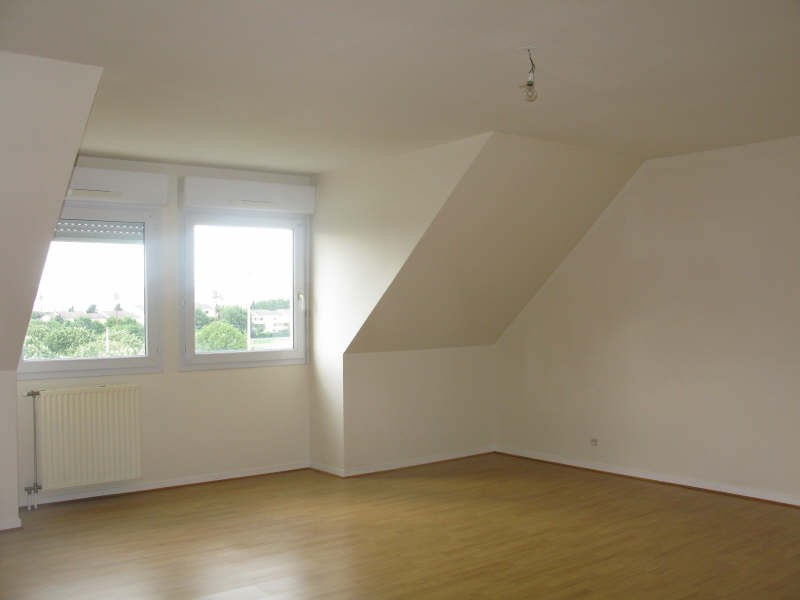 Rental apartment Poissy 975€ CC - Picture 2