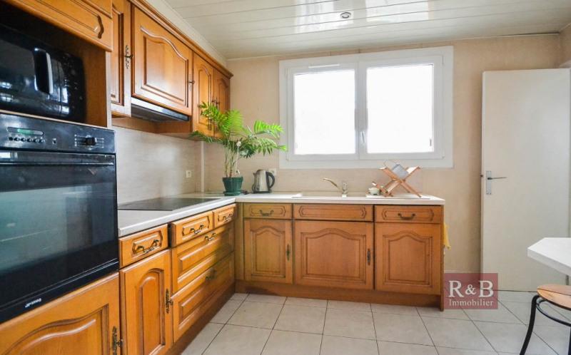 Sale apartment Les clayes sous bois 170000€ - Picture 3