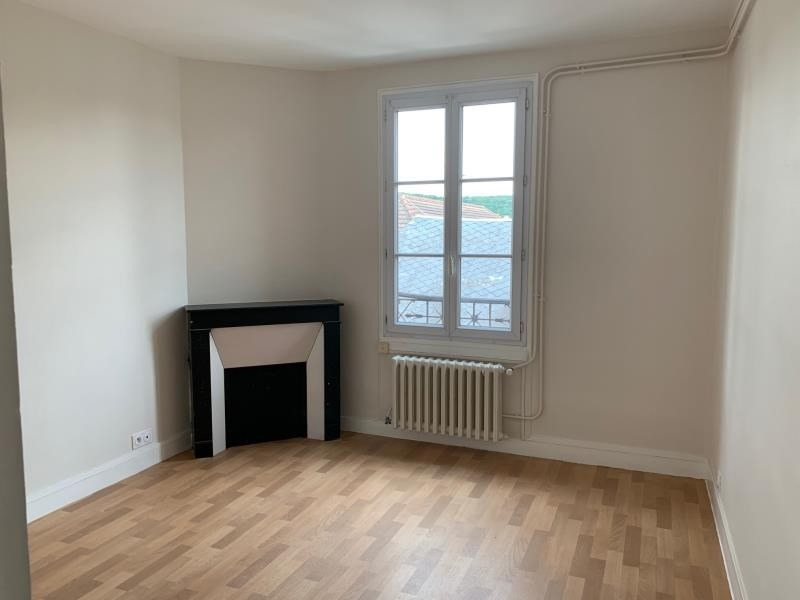 Location appartement Saint cheron 555€ CC - Photo 1