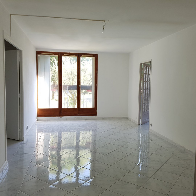 Location appartement Aix-en-provence 950€ CC - Photo 1