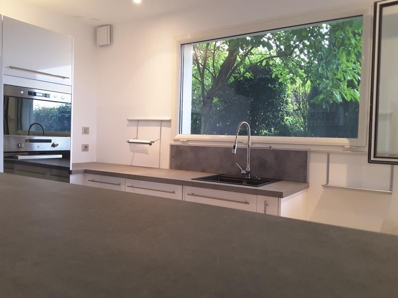 Deluxe sale house / villa Le bourget du lac 698000€ - Picture 2