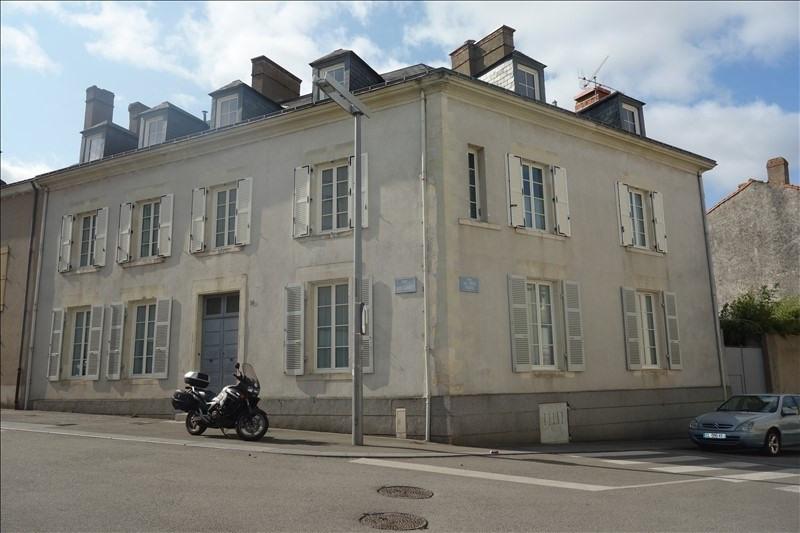 Sale house / villa La roche sur yon 490000€ - Picture 1