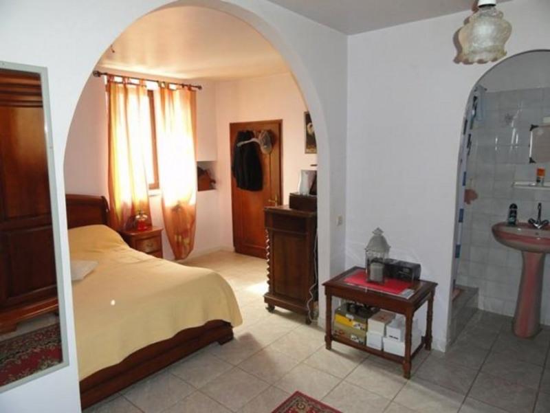 Sale house / villa Sarlat-la-caneda 254000€ - Picture 6