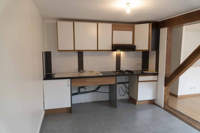 Location appartement Nantua 333€ CC - Photo 3