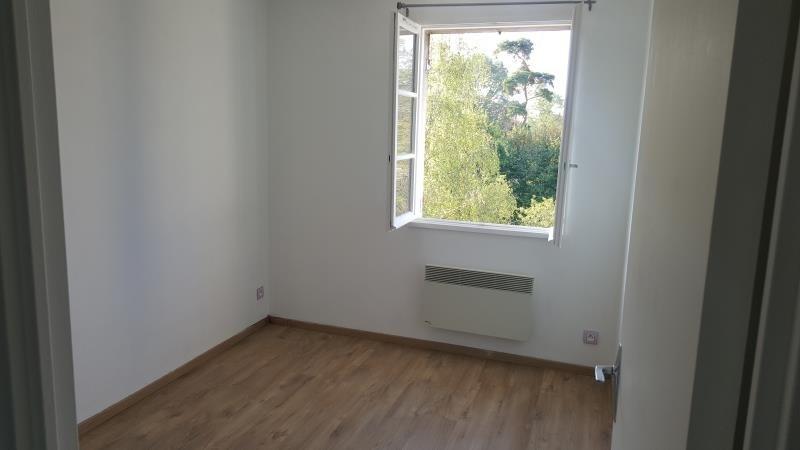 Rental apartment Vaux sur seine 699€ CC - Picture 6