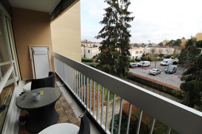 Rental apartment Elancourt 1053€ CC - Picture 6