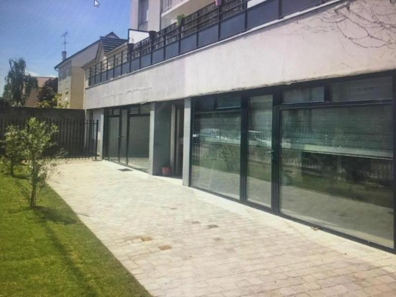 Location local commercial Conflans ste honorine 1 900€ HT/HC - Photo 1