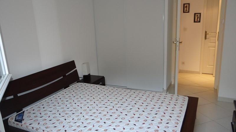 Location vacances appartement Cavalaire 400€ - Photo 12