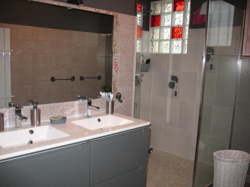 Sale house / villa Chaillevette 264500€ - Picture 8