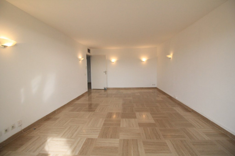 Sale apartment Nice 400 000€ - Picture 2