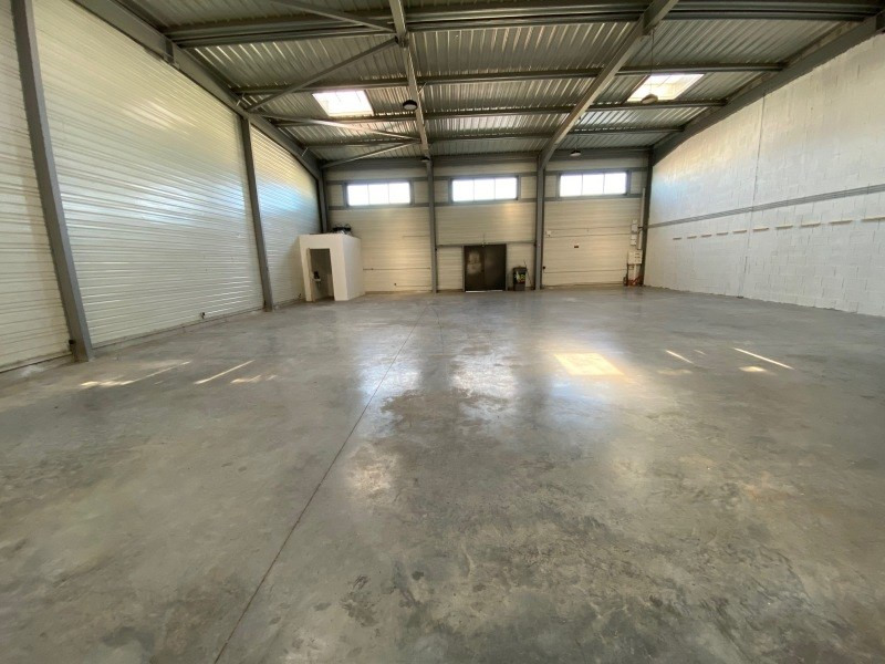 Location local commercial Six-fours-les-plages 2500€ +CH - Photo 2