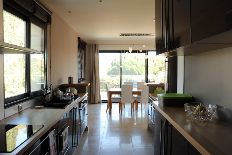 Vacation rental house / villa Cavalaire sur mer 2 200€ - Picture 11